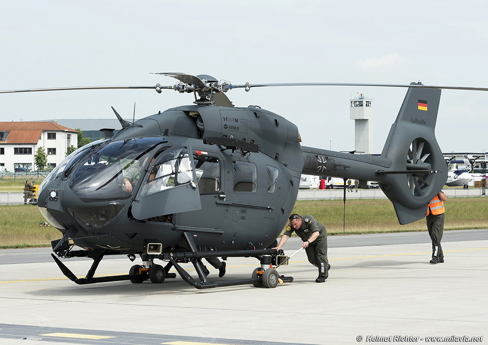 helicopter news with View on 736 also Agusta A 109 01 likewise Japan Ground Self Defense Force UH 60JA Helicopter m02013092900060 also View also Sikorsky S61l S61n 03.