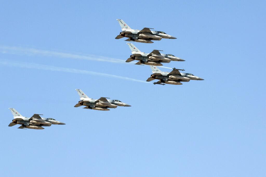"""空军世界 :: F-16""""战隼""""战斗机"""