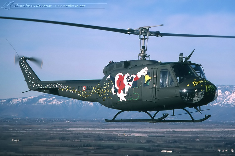 chanook helicopter with Xmas Ab205 3 on Xmas ab205 3 also 6758972519 likewise ACH 2047A 20Gunship 20Chinook 20Italeri 20  20Alejandro 20Vallejo moreover CH 47 Chinook in addition File 2010 RAF Photographic  petition Cat A   Mobile News Team  Headquarters Air  mand   First Place MOD 45152033.